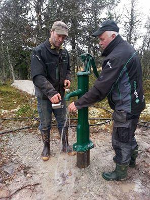 Tore og Torgeir tester ny vannpumpe